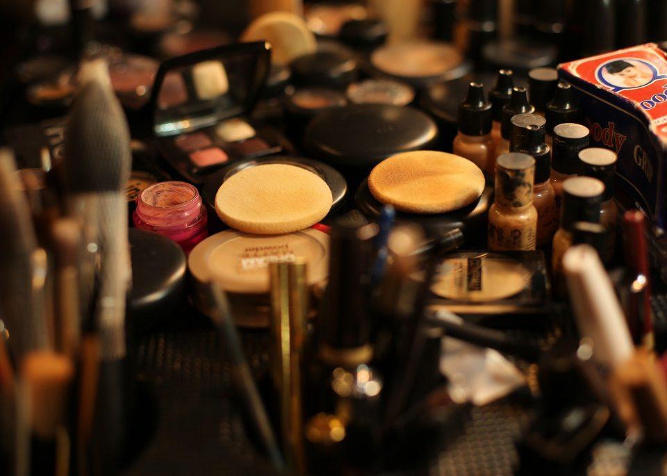 Makeup Makeup Kit Makeup Artist Brown Makeup